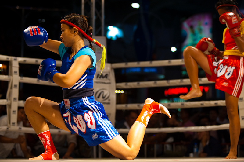 women muay thai gym