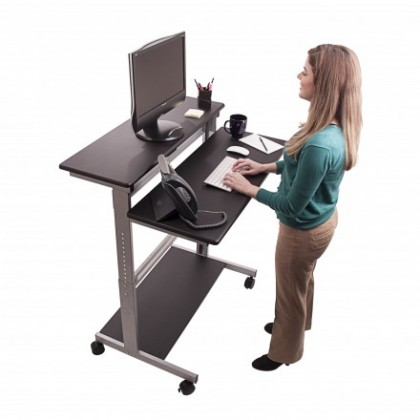 Why an Adjustable Desk is Best For You
