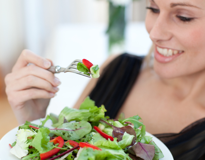 5 Diet Changes for Women to Help Battle Lifelong Illnesses