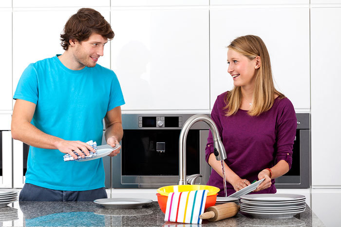 5 Health and Wellness Tips for Cleaning House